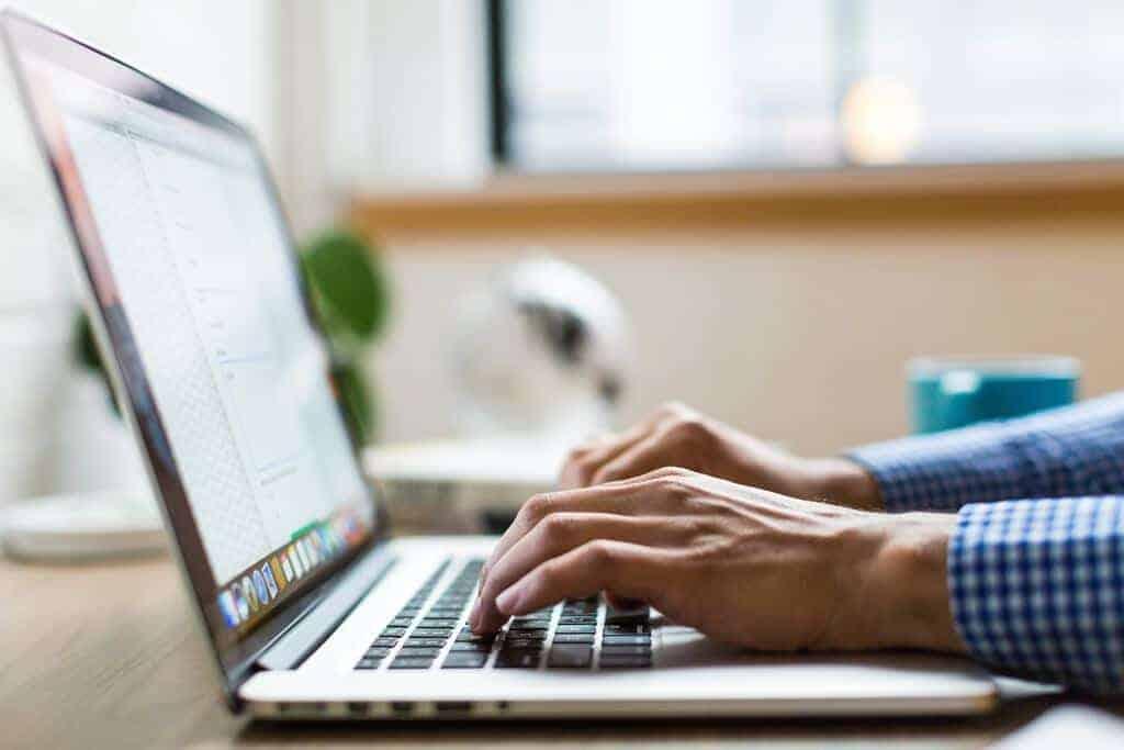 laptop minder stress zorgen