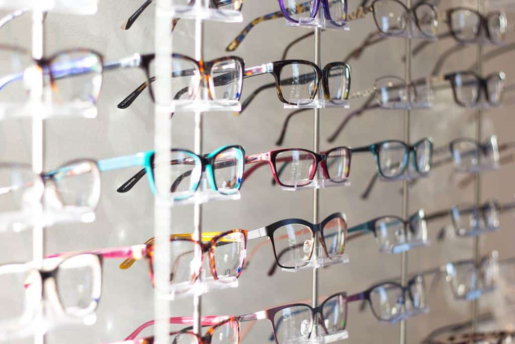 Nieuwe bril? Zo ontdek je welk montuur goed bij jouw gezicht