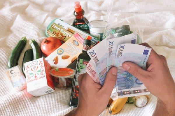 boodschappen financieel misbruik